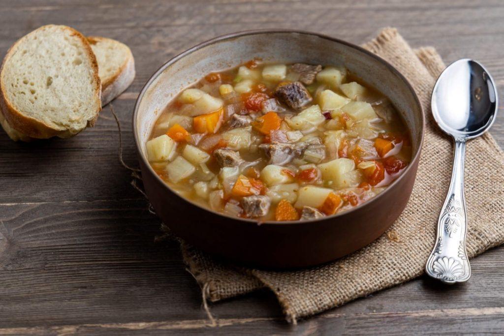 βραστο μοσχάρι σούπα με λαχανικά κρεατόσουπα για παιδιά