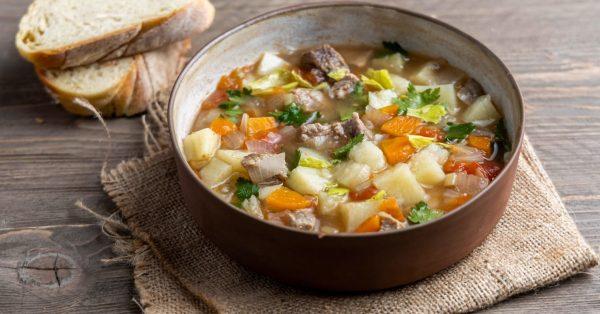 βραστο μοσχάρι σούπα με λαχανικά μοσχαροσουπα για παιδιά