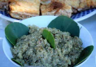 συριανη καπαροσαλάτα σύρου αλοιφη με ψωμι ή πατατα
