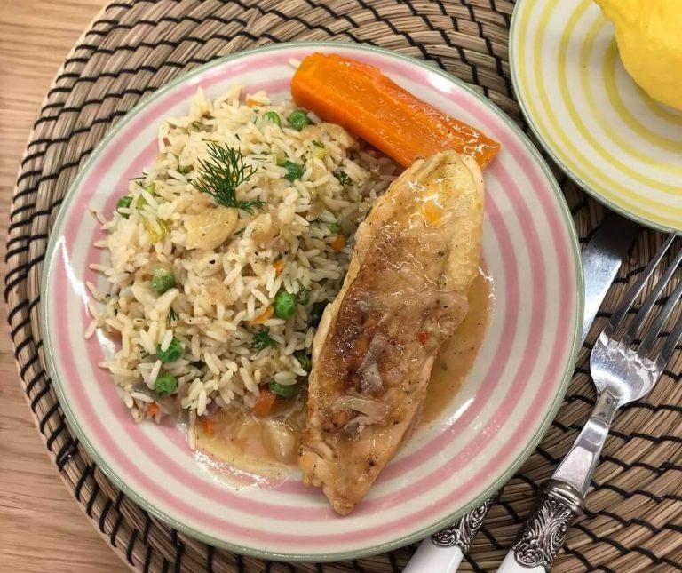 Κοτόπουλο λεμονάτο κατσαρόλας με ρύζι