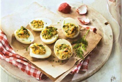 Πασχαλινά αυγά γεμιστά με τραγανό μπέικον-featured_image