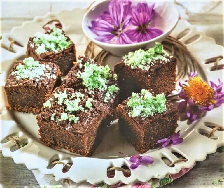 Brownies με τα σοκολατένια αυγά που περίσσεψαν