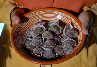 μπουσέ Σαντορίνης συνυαγη παραδοσιακά γλυκά Σαντορίνη
