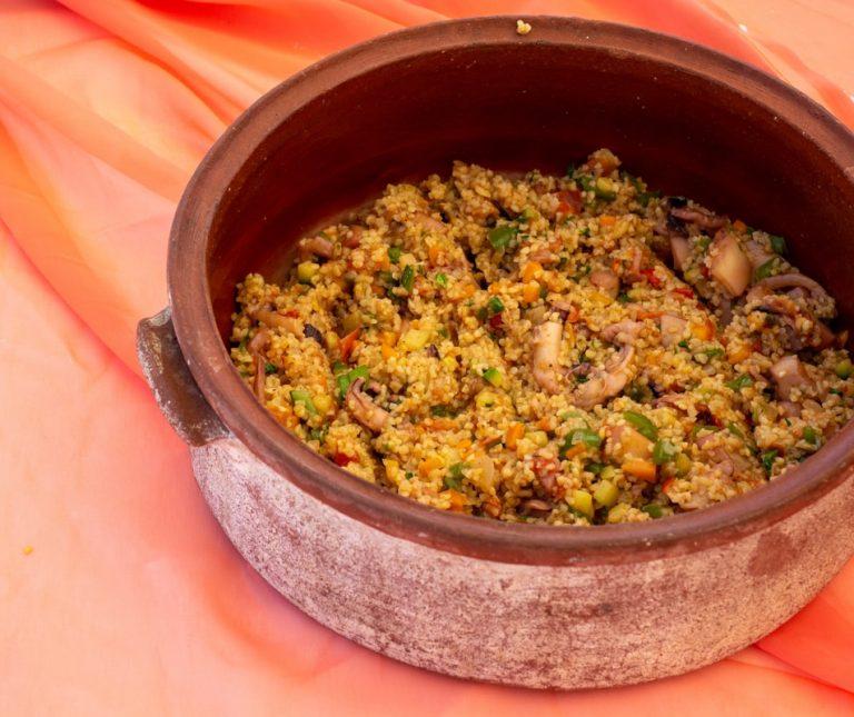 Σουπιές με λαχανικά και πλιγούρι