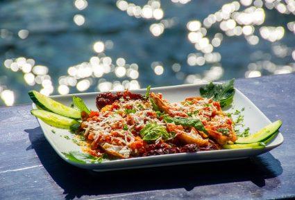Τηγανητές μελιτζάνες με σάλτσα ντομάτας-featured_image