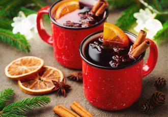 κόκκινο ζεστό κρασί με μπαχαρικα gluhwein χριστουγεννιατικο συνταγη χριστουγεννων