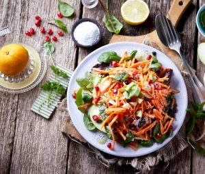 σαλάτα καρότο με πράσινο μήλο και super foods συνταγη
