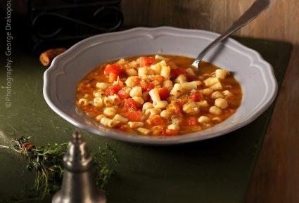 Ρεβύθια σούπα με ντομάτα-featured_image
