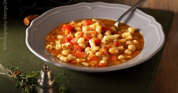 Ρεβύθια σούπα με ντομάτα της Αργυρώς
