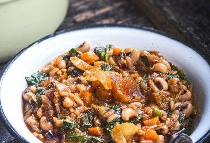 Φασόλια με ρύζι, χόρτα και αυγοτάραχο-featured_image