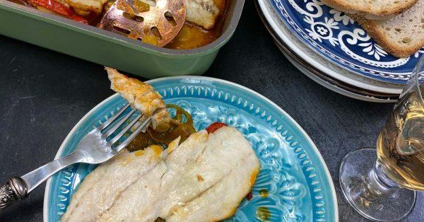 λεμονάτη πέρκα στο φούρνο με πατάτες ψαρι φιλετο συνταγη