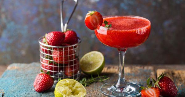 συνταγη daiquiri φράουλα frozen ντακιρι ποτο strawberry daquiri cocktail daikiri κοκτειλ με ρουμι
