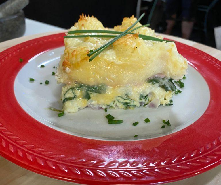 Αυγά στο φούρνο με ζαμπόν και πουρέ