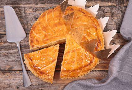 Πίτα με ροδάκινα σε σφολιάτα-featured_image