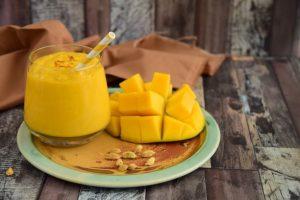 κοκτειλ χωρις αλκοολ mango lassi mocktails