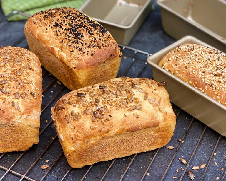 Ψωμί ζυμωτό στο σπίτι