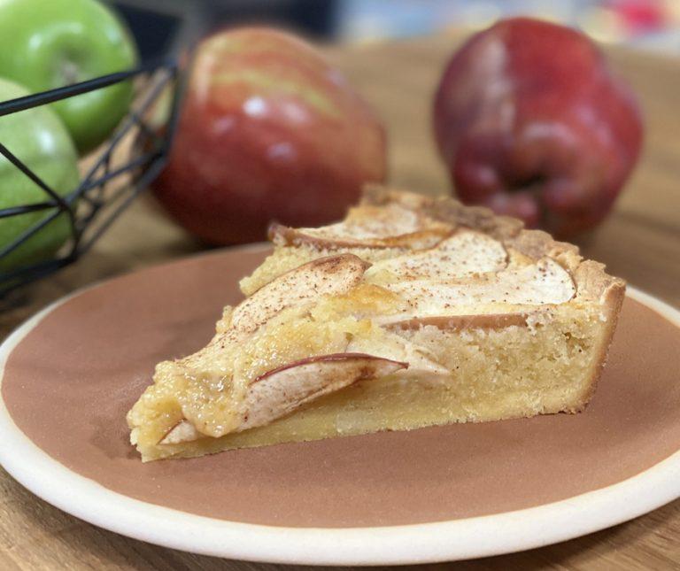 Τάρτα μήλου με κρέμα frangipane του Δημήτρη Μακρυνιώτη
