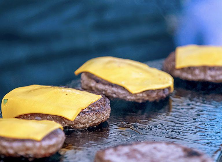 Vegan μπιφτέκια με τυρί στο φούρνο