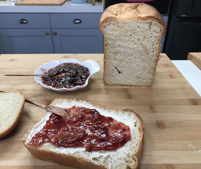 Σπιτικό ψωμί στον αρτοπαρασκευαστή