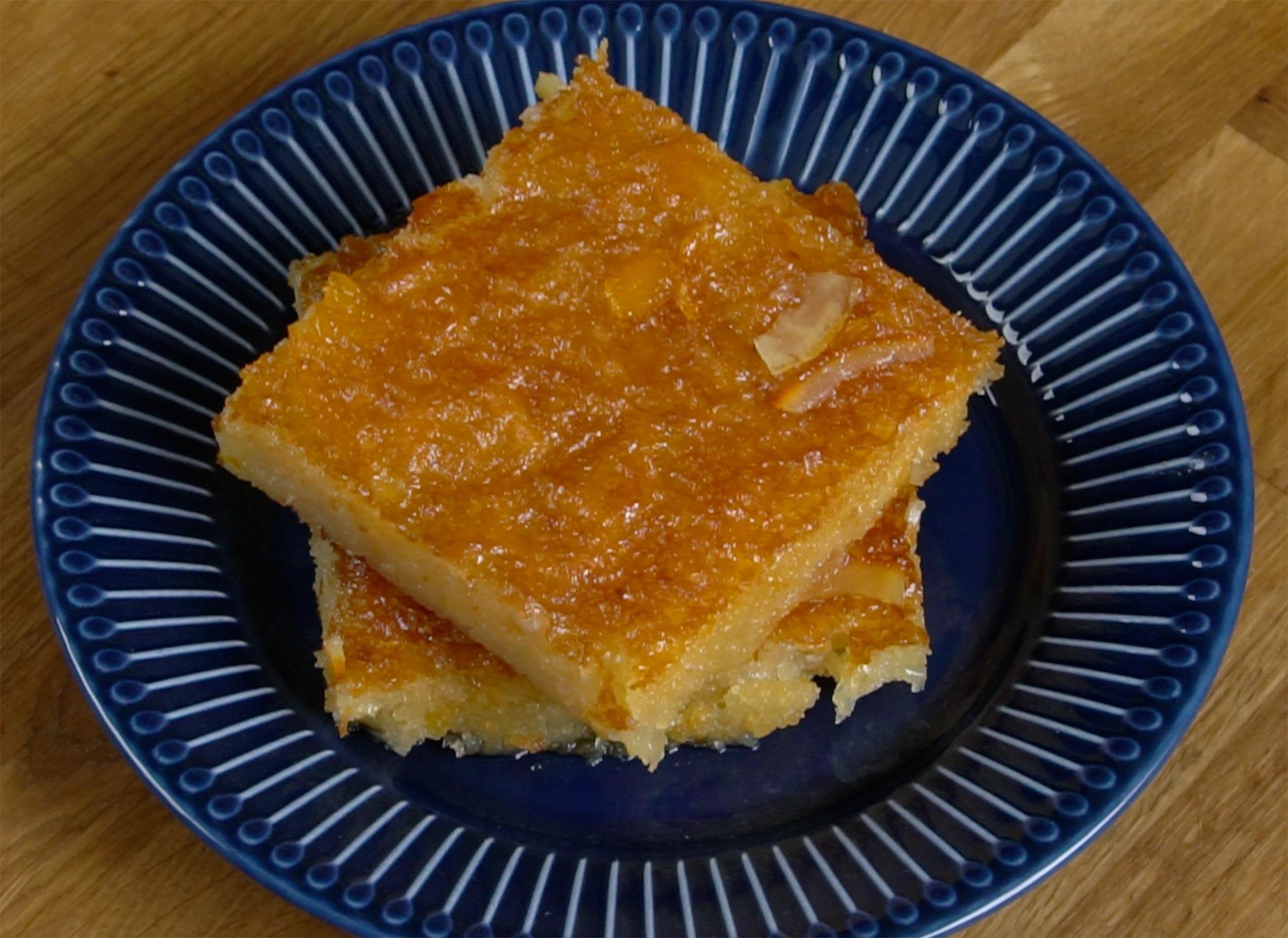 Σερβίρισμα για την πορτοκαλόπιτα της Αργυρώς